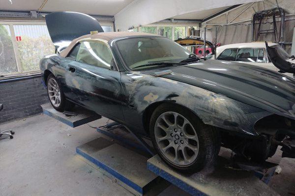 Jaguar XK8 01