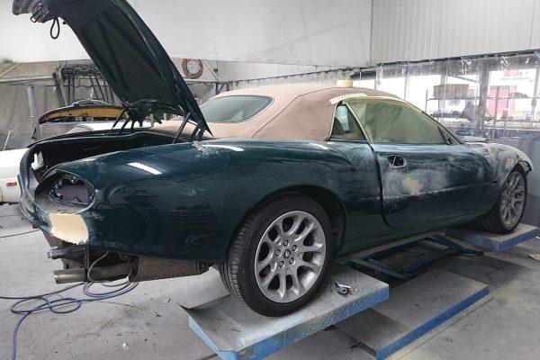 Jaguar XK8 02