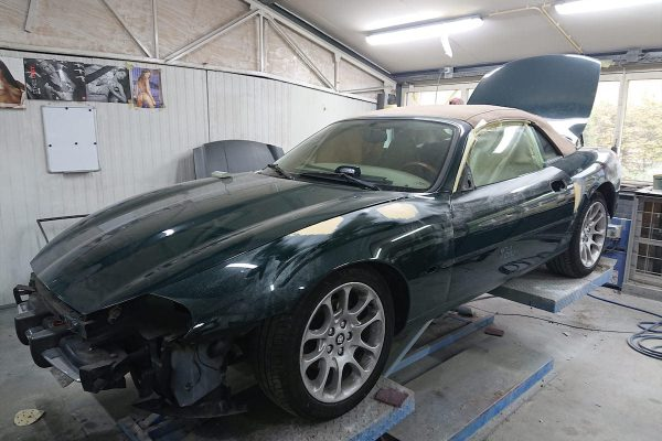 Jaguar XK8 04